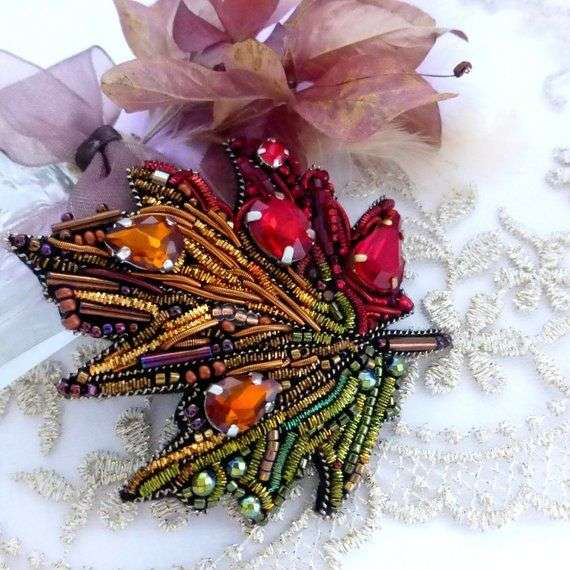 Handmade Brooch Accessory Manufacturers