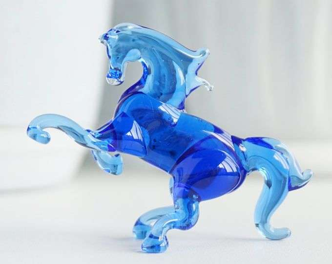 Handmade Glass Figurine Manufacturers