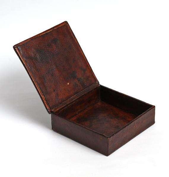 Handmade Leather Box Manufacturers