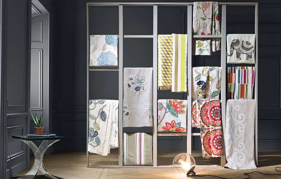 Home Fabric Show Room Manufacturers