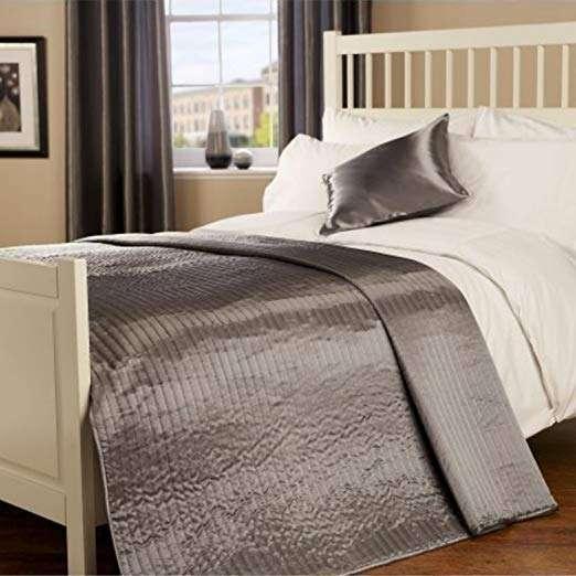 Satin Bed Throw Manufacturers