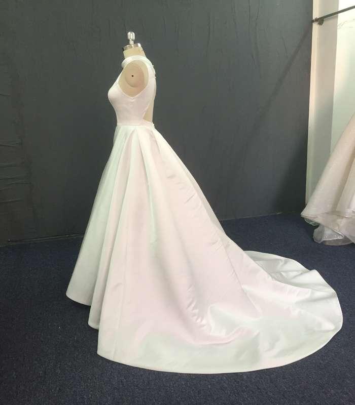 缎面新娘装 制造商