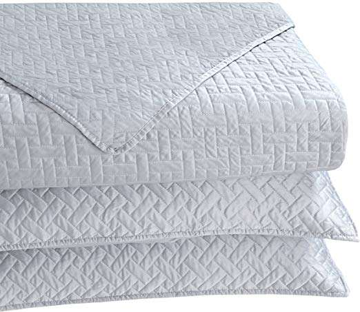 Satin Embroidered Quilt Manufacturers