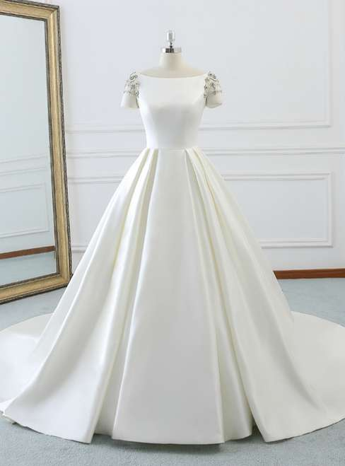 Short Sleeve Wedding Gown Manufacturers
