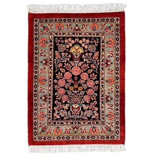 Silk Handmade Carpet Manufacturers
