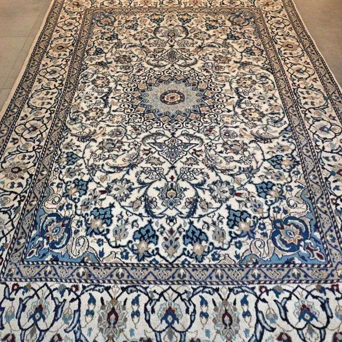Silk Persian Rug Manufacturers
