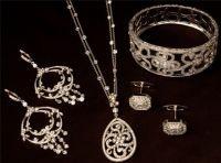 Designer Victorian gold and silver diamonds gemstones jewellery